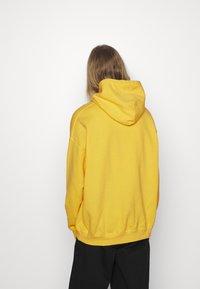 Vintage Supply - OVERDYE BRANDED HOODIE - Sweatshirt - yellow - 2