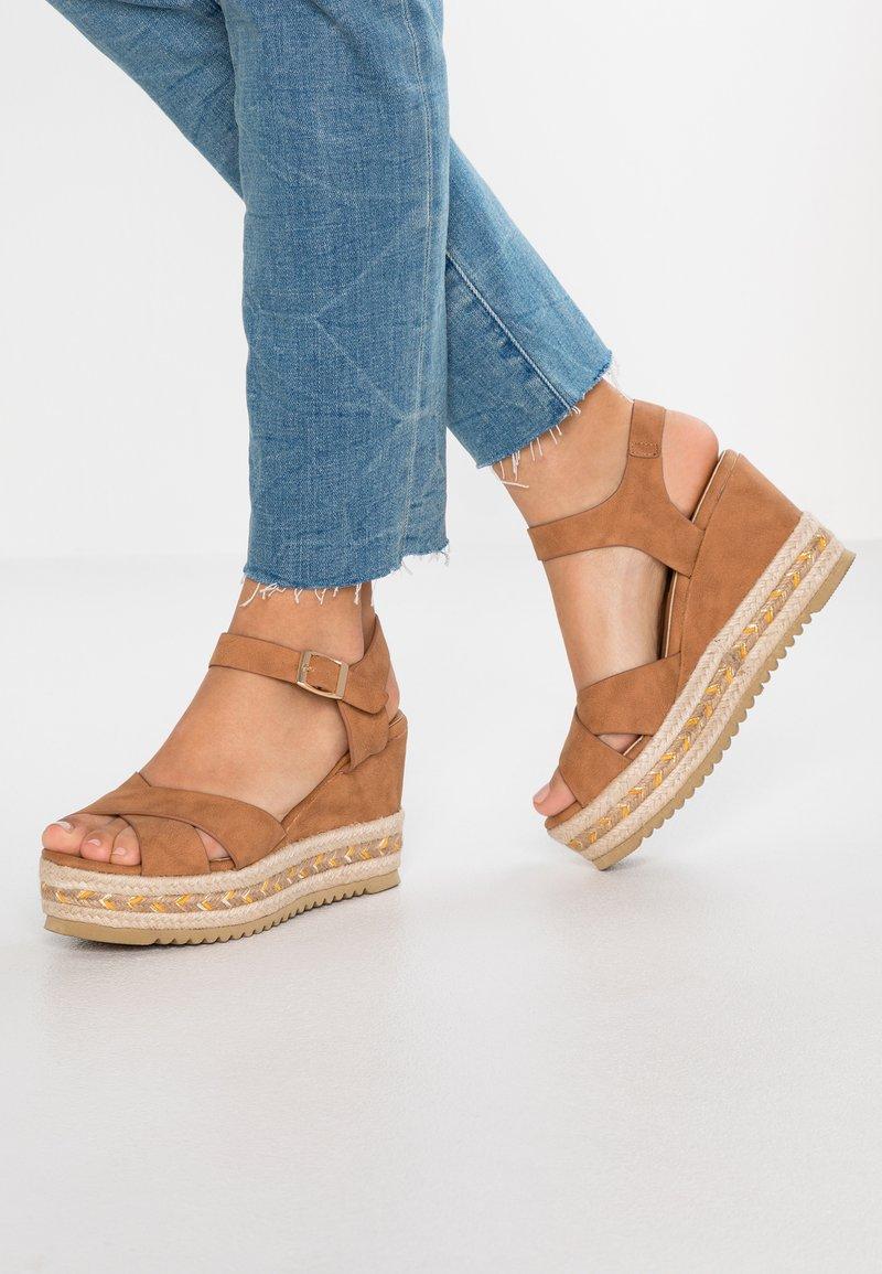 Refresh - High heeled sandals - camel