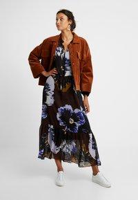 InWear - KALISTAIW LONG DRESS - Maxi dress - bitter chocolate - 1