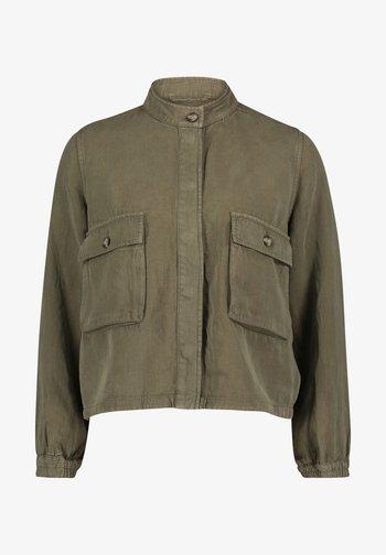 MIT AUFGESETZTER BRUSTTASCHE - Summer jacket - khaki