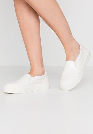 STOMPIN - Slippers - white