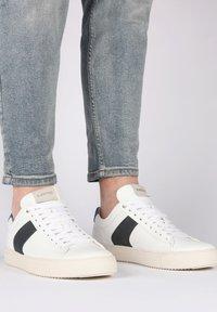 Blackstone - Sneakers - white navy - 1
