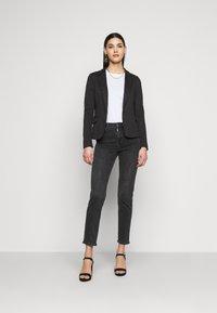 Vero Moda Tall - VMJULIA - Blazer - black - 1