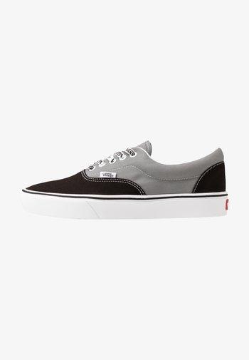 UA COMFYCUSH ERA - Sneakersy niskie - black/frost