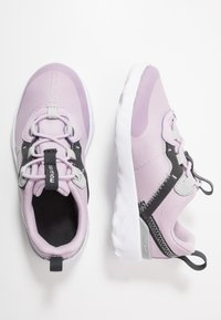 Nike Sportswear - RENEW ELEMENT 55 - Slip-ons - iced lilac/metallic silver/off noir/light smoke grey - 0