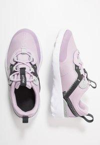 Nike Sportswear - RENEW ELEMENT 55 - Mocasines - iced lilac/metallic silver/off noir/light smoke grey - 0