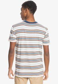 Quiksilver - Print T-shirt - anthique white guytou - 2