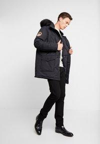 Superdry - EVEREST  - Zimní kabát - jet black - 1