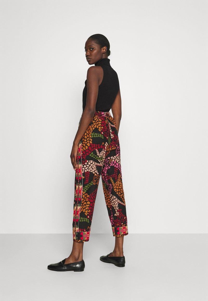 Farm Rio - LEAOPARD PANTS - Trousers - multi