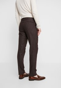Shelby & Sons - HYTHE SUIT - Traje - brown - 5
