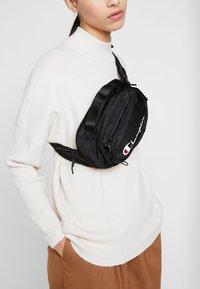 Champion Reverse Weave - Bum bag - black - 5