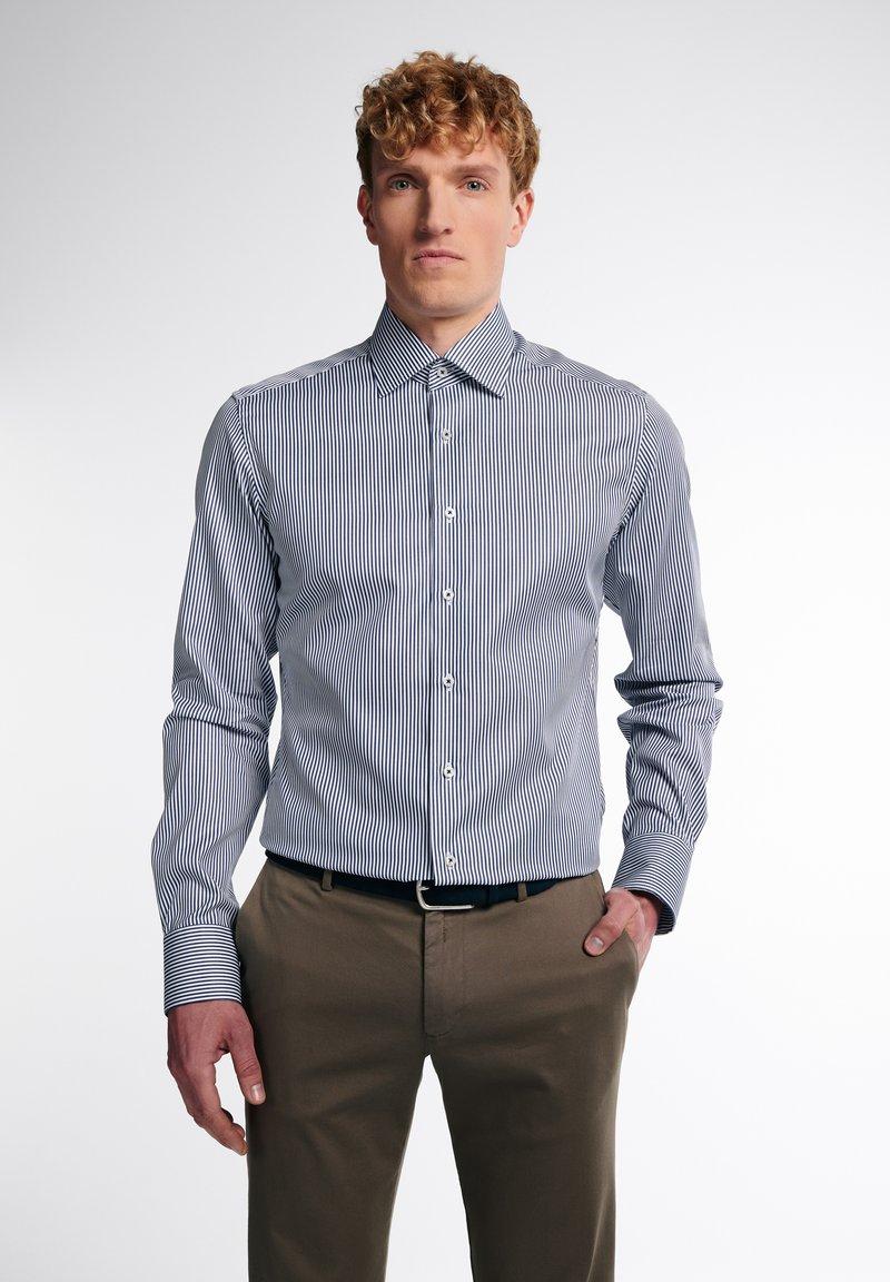 Eterna - SLIM FIT - Formal shirt - marine/weiß