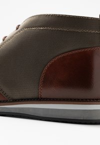 Madden by Steve Madden - HELIUM - Casual lace-ups - cognac - 5