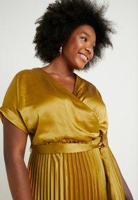 New Look Curves - GO PLEATED DRESS - Day dress - dark yellow - 3
