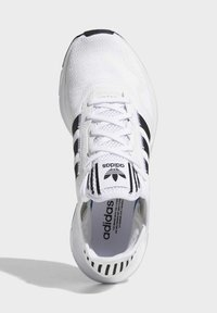adidas Originals - SWIFT SPORTS STYLE SHOES - Sneakers laag - white - 2