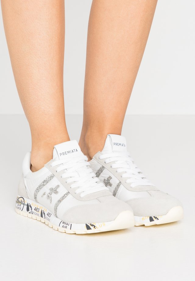LUCY - Sneaker low - white