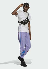 adidas Originals - Träningsbyxor - purple - 1