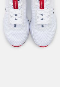 Lacoste - COURT DRIVE  - Baskets basses - white/navy/red - 5