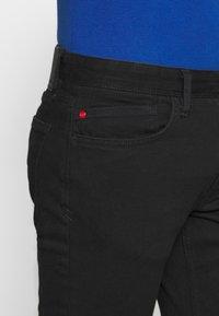 s.Oliver - Slim fit jeans - black denim - 3