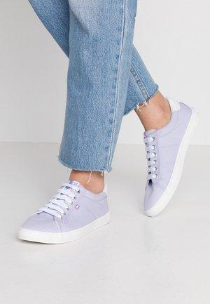 Sneakers laag - viola