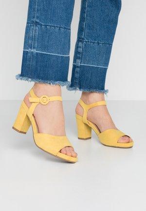 Sandali - yellow