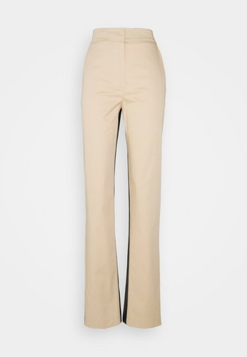 PANTALONI TROUSERS