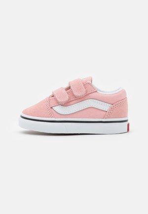 OLD SKOOL  - Trainers - powder pink/true white