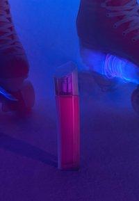 Escada Fragrances - MAGNETISM EAU DE PARFUM - Eau de Parfum - - - 3