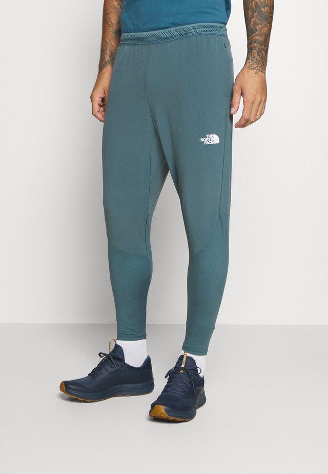 ACTIVE TRAIL HYBRID JOGGER - Spodnie treningowe - mallard blue