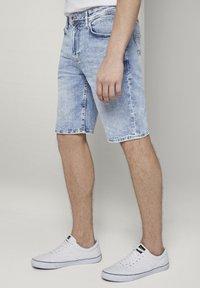 TOM TAILOR DENIM - Denim shorts - used bleached blue denim - 3