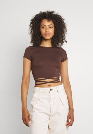 PERFECT CROPPED TIE - Top - brown