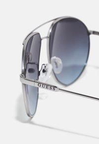 Guess - UNISEX - Sunglasses - shiny gunmetal/smoke - 4