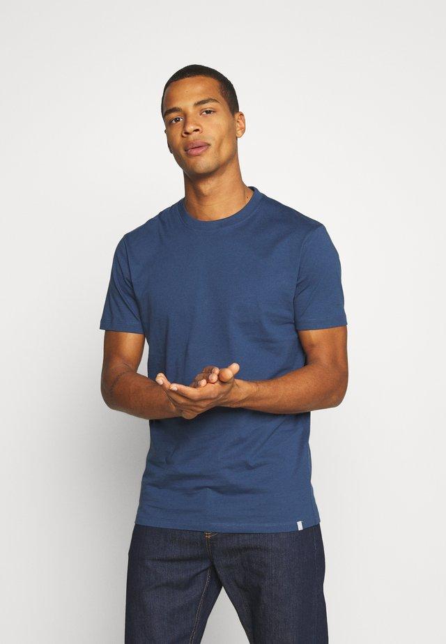 AARHUS - T-shirt basique - dark denim