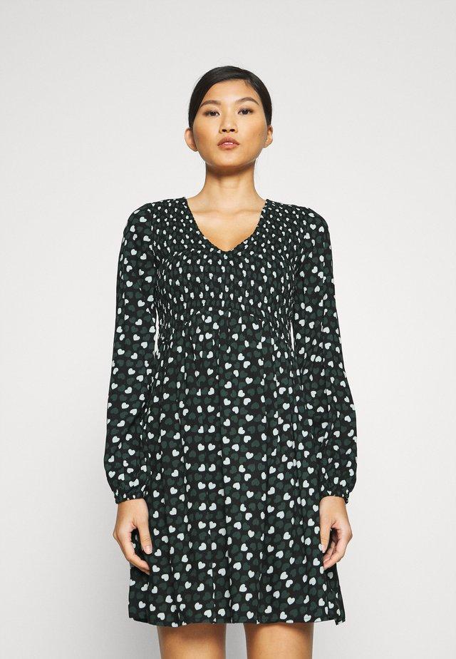 BLACK AND GREEN HEART SMOCKED DRESS - Vestido informal - black