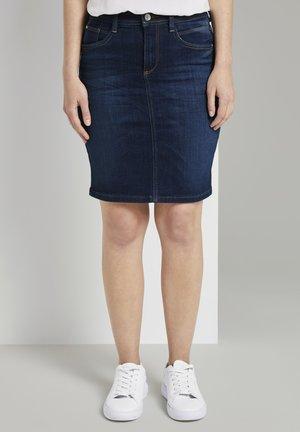 Denim skirt - mid stone wash denim