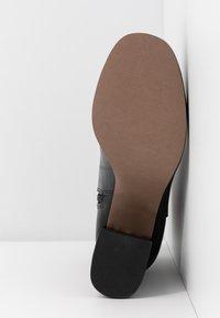 Topshop - EDDIE PLATFORM BOOT - Platform ankle boots - black - 6