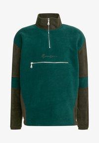 Mennace - TONAL PANEL POLAR FUNNEL NECK  - Fleece trui - green - 3