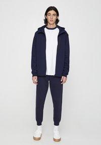 PULL&BEAR - Pantaloni sportivi - dark blue - 1