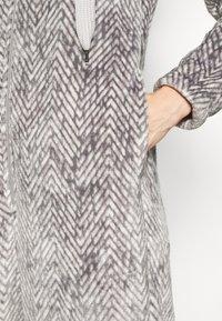 Hunkemöller - ONESIE HERRINGBONE - Pyjamas - warm grey melee - 5
