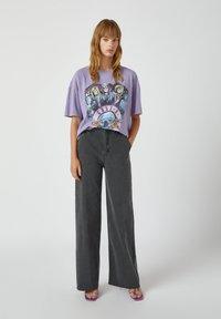 PULL&BEAR - Print T-shirt - purple - 1