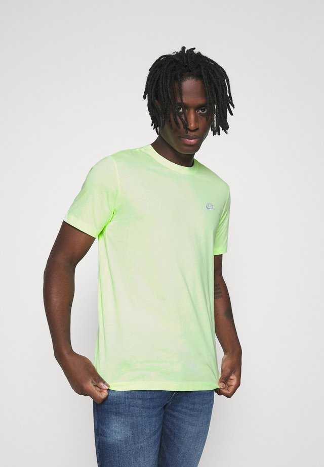 CLUB TEE - T-shirt basic - liquid lime/white