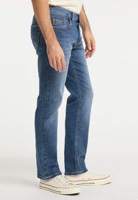 Pioneer Authentic Jeans - RANDO - Straight leg jeans - stone blue denim - 3
