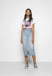 Levi's® - BUTTON FRONT MIDI SKIRT - Pencil skirt - blue cell - 1
