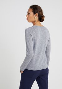FTC Cashmere - CREW NECK - Sweter - opal grey - 2