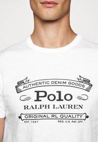 Polo Ralph Lauren - T-shirt imprimé - white - 6