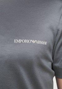 Emporio Armani - Basic T-shirt - grey - 4