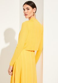 comma - Cardigan - yellow - 2