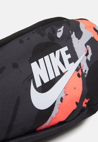 Nike Sportswear - HERITAGE UNISEX - Bum bag - bright mango/black/white - 4