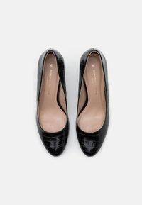 Dorothy Perkins - DENVER ALMOND TOE COURT - Classic heels - black - 5