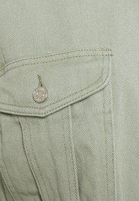Missguided Petite - Denim jacket - sage - 2